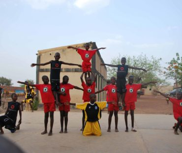 troupe-lenga-akrobatik