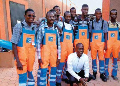Arbeitskleidung für Lernende in Burkina Faso